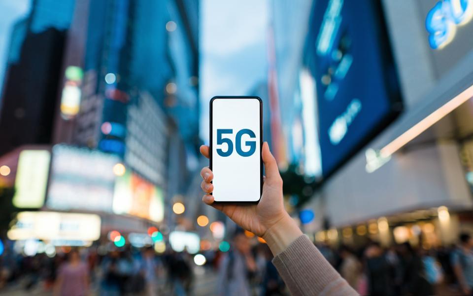 「5G」対応の 新型スマートフォン